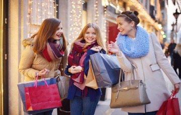 Luxury Girls Breaks Away